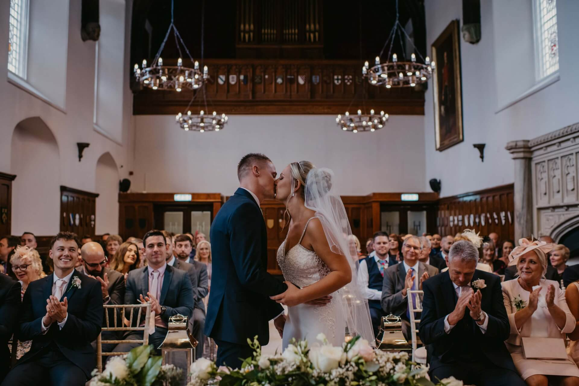 wedding ceremony, first kiss, wedding video hampshire